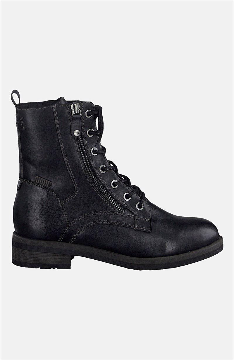 Kevyesti vuoratut kengät