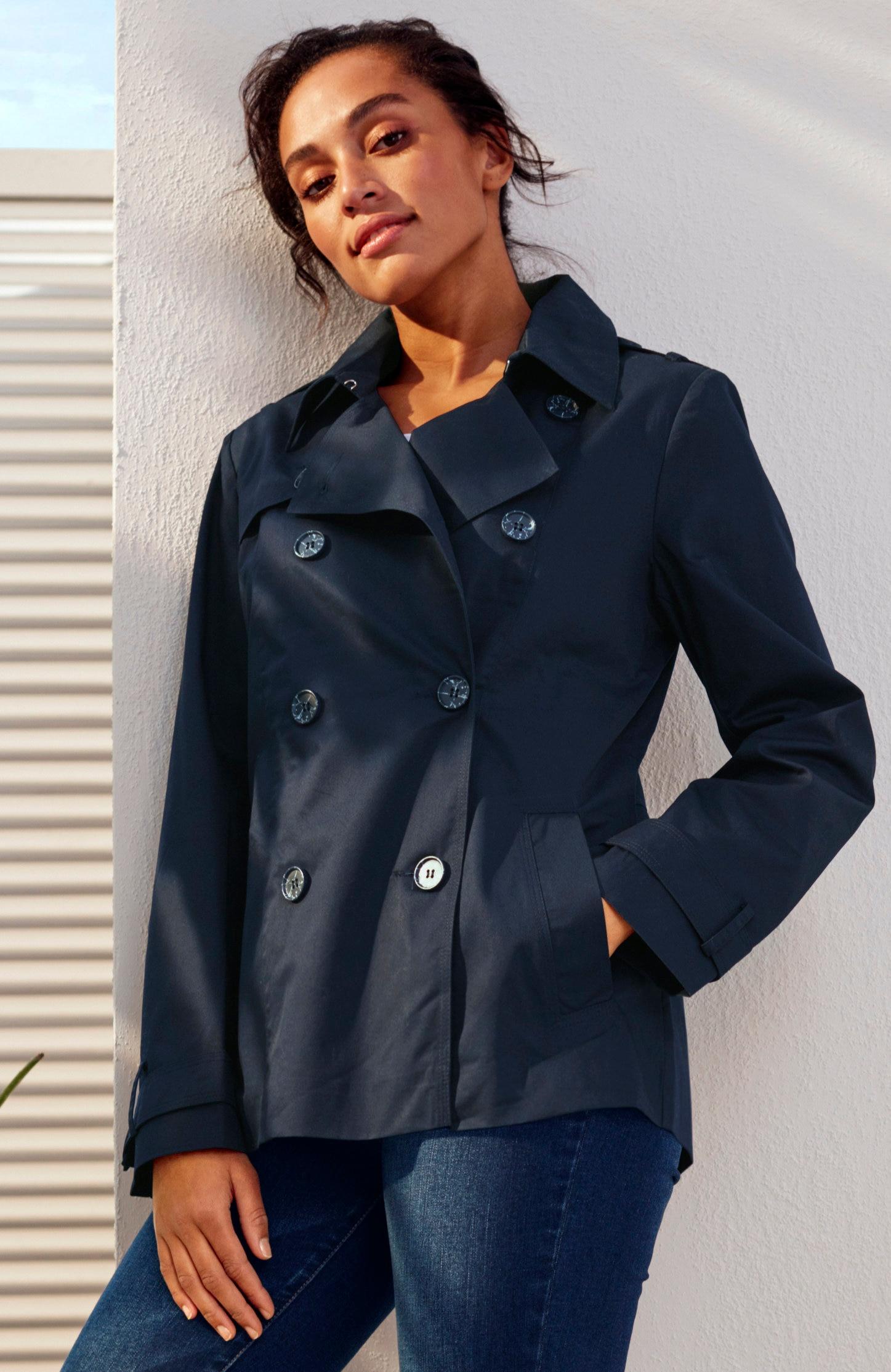 Kaksirivinapitettu takki